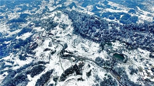 大雪山航拍摄影